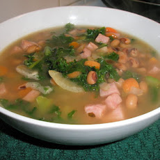 Black Eyed Pea Soup With Ham and Greens