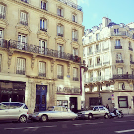 by Anindyaningrum Rystiasih - City,  Street & Park  Neighborhoods ( sunday, sunny, paris )