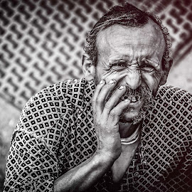 fear by Mahmoud Yakoup - People Portraits of Men ( black and white, street, man, portrait, fear )
