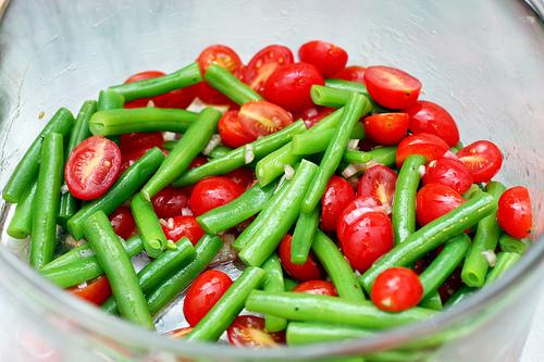 Green Bean and Cherry Tomato Salad Recipe | Yummly