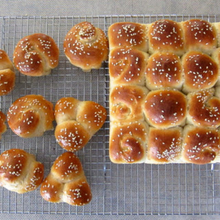Honey Buttermilk Rolls