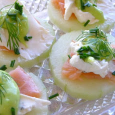Fresh Cucumber Slices With Smoked Salmon and Wasabi Cream