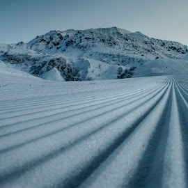 The rails  by Alessandro Scacchetti - Landscapes Mountains & Hills ( mountain, snow, white, evening )