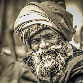 I like the way this man smiles .. by Prabir Sen - People Portraits of Men ( candid, men, portraits, people, street photography )