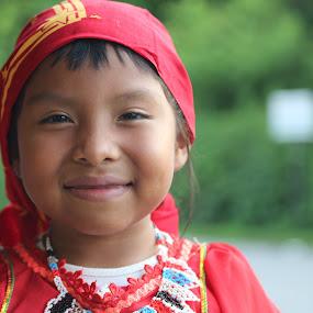 Kuna girl by Chuck Holton - Babies & Children Child Portraits ( panama, kuna, indian, indigenous, cute )
