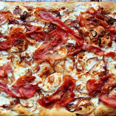 Caramelized Onion & Prosciutto Pizza