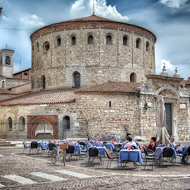 Vecchio Duomo (Rotonda), Brescia by Cristian Peša - City,  Street & Park  Street Scenes