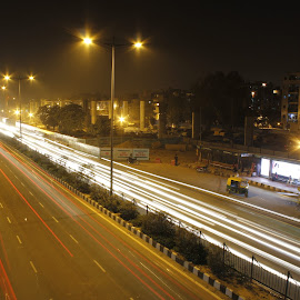 Rush hour. by Tushar Dudeja - Novices Only Street & Candid ( canon, 60d, lighttrails, lazyshutter, longexposure )