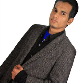 by Faiz Shamim - People Fashion