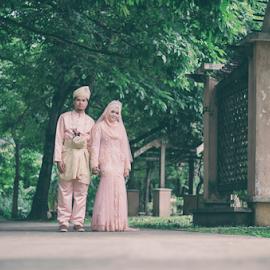 Malay wedding by Iz Fotografi Art Works - Wedding Bride & Groom ( malay wedding, melayu, melayu kawin, mempelai, wedding, kawin, pengantin, malay, nikah, malaysia )