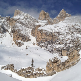 Tofana by Mario Horvat - Instagram & Mobile iPhone ( cortina, mountain, snow, white, summit, stones,  )