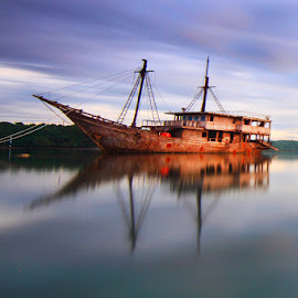 ghost by I Made  Sukarnawan - Transportation Boats ( boats, ships, beach,  )