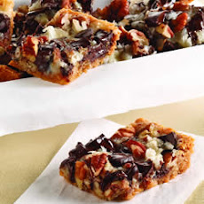 Chocolate Chunk Magic Cookie Bars