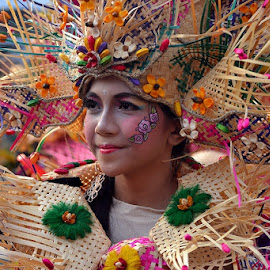 Jogja Fashion week by Fery Sulastyo - People Street & Candids ( fashion, festival, jogja, people, week )