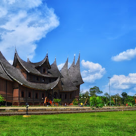 Istano Pagaruyuang Part 2 by Nanda Dhonal - Buildings & Architecture Statues & Monuments