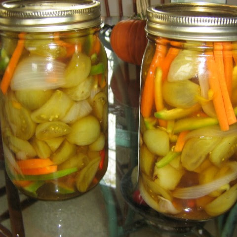 Green Tomato And Red Pepper Pickles