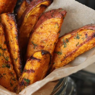 Snack Attack: Garlic Dill Sweet Potato Wedges