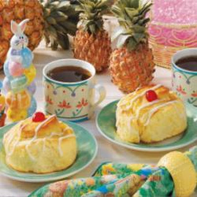 Jumbo Pineapple Yeast Rolls