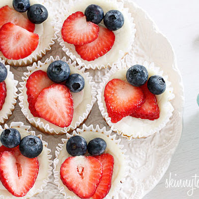 Red, White and Blueberry Cheesecake Yogurt Cupcakes