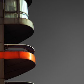 Balcon by Bruno Gueroult - Buildings & Architecture Architectural Detail ( paris, rouge, balcon, france, architecture )