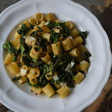 Ditaloni with Spicy Crunchy Kale