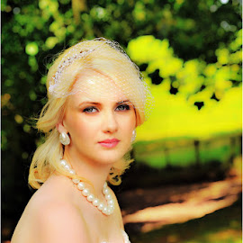 Leanne by Leslie Hanthorne - Wedding Bride