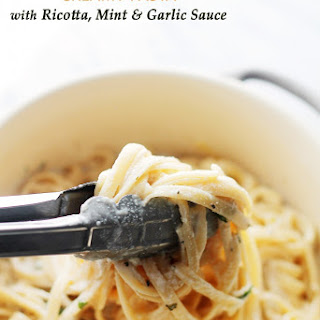 Creamy Pasta with Ricotta, Mint and Garlic Sauce
