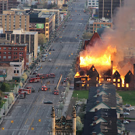 Detroit church burns by Victor Seborowski - News & Events Disasters ( building, street, woodward, detroit, fire )