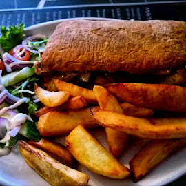 Hot beef sandwich and chunky chips by Nic Scott - Food & Drink Plated Food ( salad, chips, sandwich, food, food photography, beef sandwich,  )