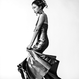 Stephanie De La Cruz by Charles Lugtu - People Fashion ( 4x5, film, fashion, richard avedon, large format, black and white, dress, high fashion, filipina )