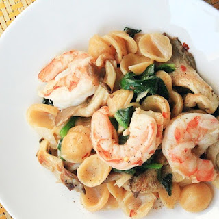 One-Skillet Orecchiette With Shrimp, Spinach, and Mushrooms