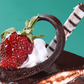choco by Ray Alexander - Food & Drink Fruits & Vegetables ( cake, chocolate, red, sweet, strawberry )