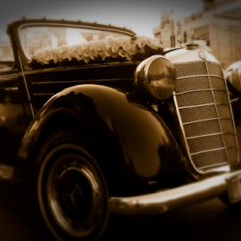 wedding classic car by Javad Abedinifar - Wedding Other ( classic car, weddings, wedding, wedding car, marriage, bride, classic mercedes, car photo )