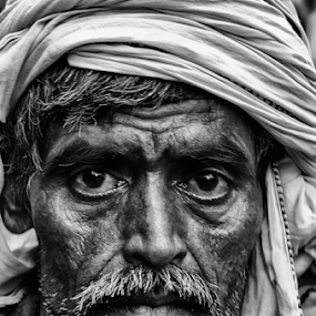 by SUBHAJIT PANJA - People Street & Candids (  )