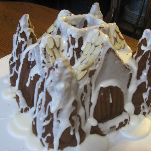 Gingerbread Tunnel Cake