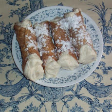 Cannoli Shells and Ricotta Cream Filling