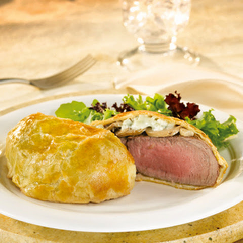 Mini Beef Wellingtons with Mushrooms & Gorgonzola