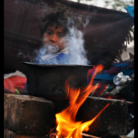 Perfect Frame by Ishit Bawaniya - Babies & Children Children Candids ( child, frame, family, poor, play, tough, children, candid, kids )