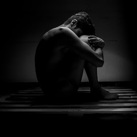 shame by Carlos Vera - Nudes & Boudoir Artistic Nude