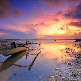 The Jukung #2 by Sunan Tara - Transportation Boats ( water, sunset, rise, land, seascape, sunrise, beach, boat, landscape, light, sun )