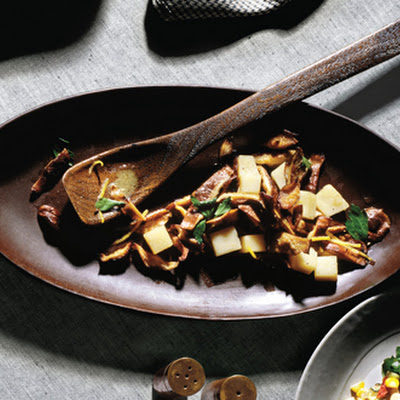 Shiitake Mushrooms with Young Pecorino Cheese