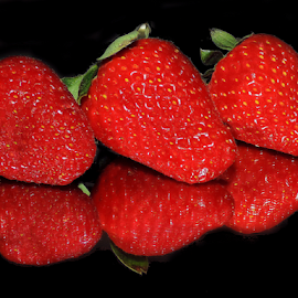 nice strawberry by LADOCKi Elvira - Food & Drink Fruits & Vegetables ( fruits )