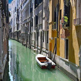 a quite corner  in venice by Almas Bavcic - City,  Street & Park  Historic Districts