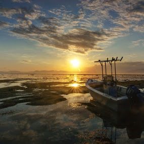 Lakey Sunset by Erwan Setyawan - Landscapes Sunsets & Sunrises ( sumbawa, sunset, lakey, beach )
