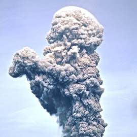 Sinabung Volcano by Kriswanto Ginting's - News & Events Disasters ( vulcanic, ash, volcano, indonesia, sinabung )
