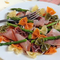 Wacky Mac®, Asparagus and Prosciutto Salad