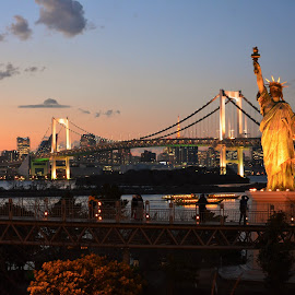 Odaiba by Chor Yin Lim - Buildings & Architecture Statues & Monuments ( lights, statue, statue of liberty, night photography, buildings, ships, night, bridge, nightscape )