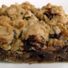 Oats 'n Caramel Chocolate Chip Cookie Squares