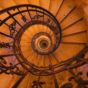 lux-aeterna_buildings_spiral.jpg