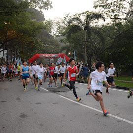 by Woo Yuen Foo - Sports & Fitness Running